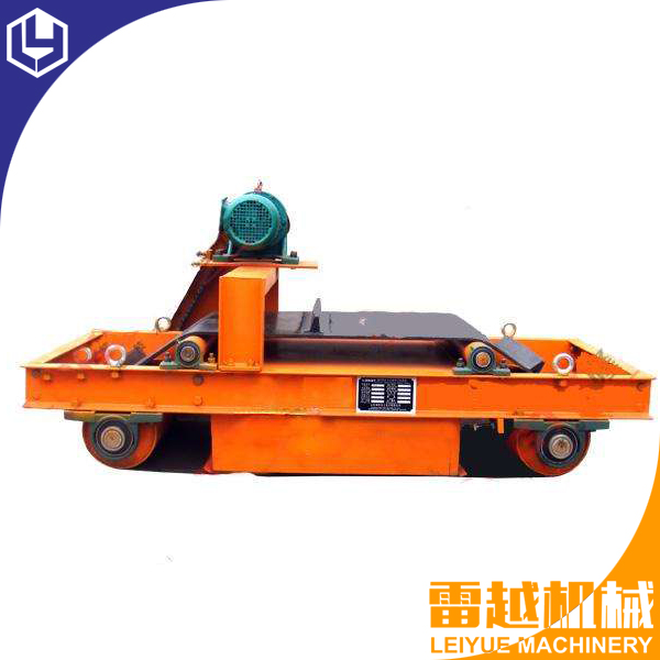 Self-cleaning Iron conveyor belt magnetic separator For Waste Recycling